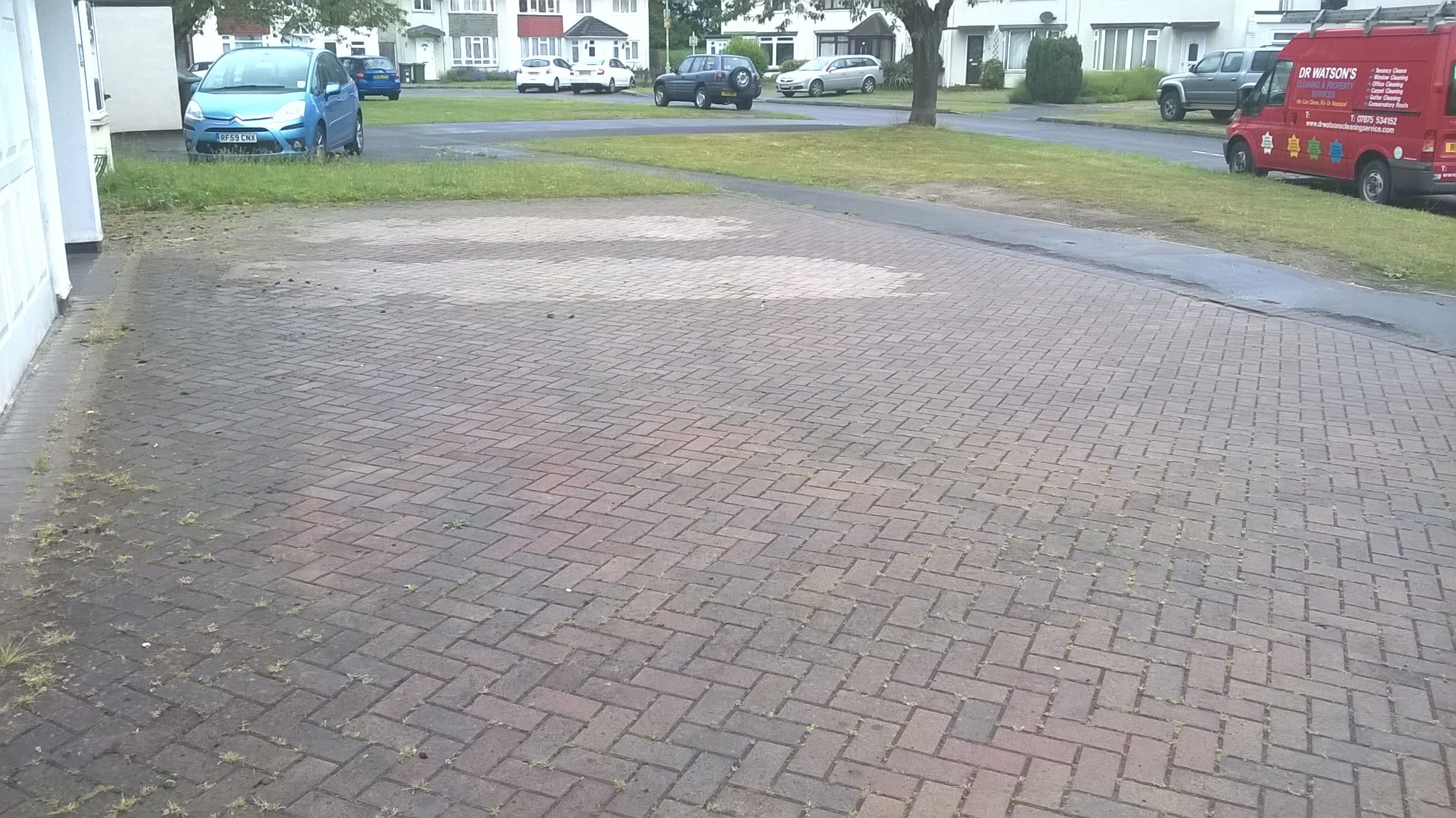Driveway and patio cleaning in hungerford and for Driveway cleaning companies